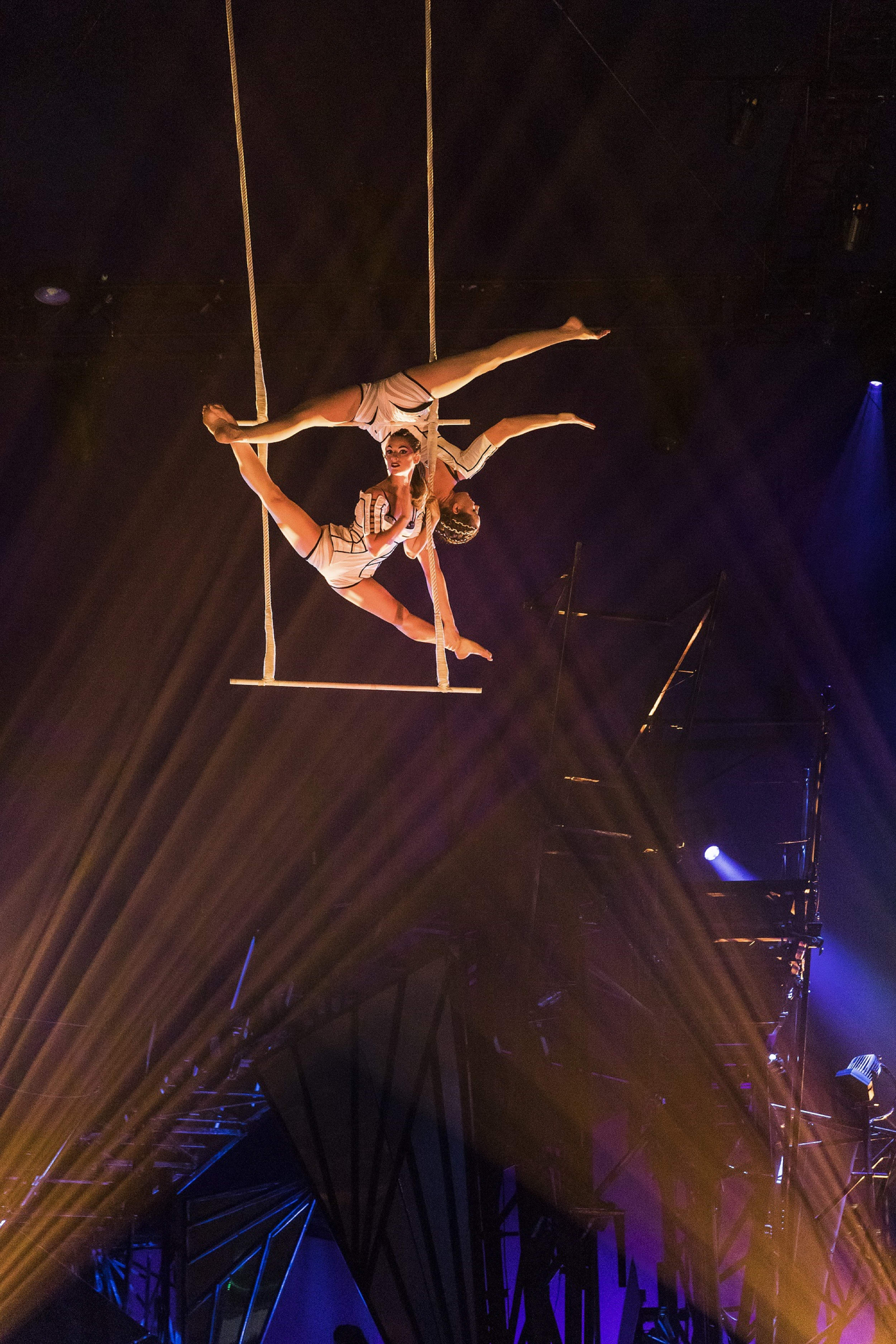 Trapeze act from Bazzar
