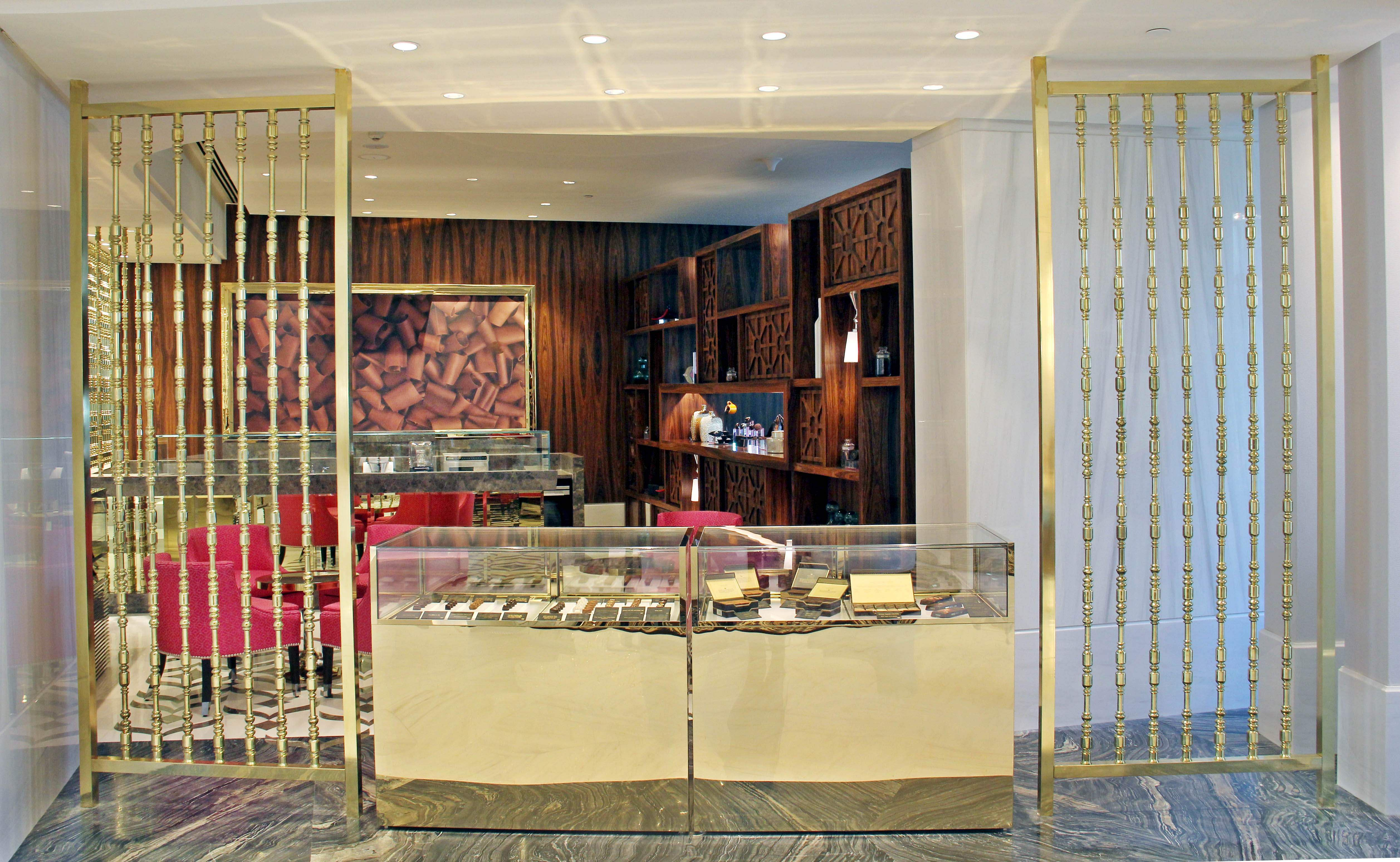 What does ITC Kohenur in Hyderabad promise the luxury