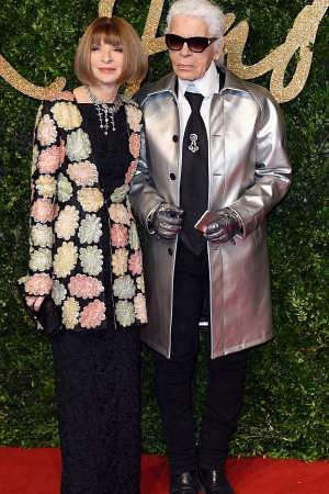 Lagerfeld with Anna Wintour at the Britsh Fashion Awards, 2015