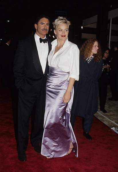 Sharon Stone wearing her Gap shirt and skirt at the Oscars 1996