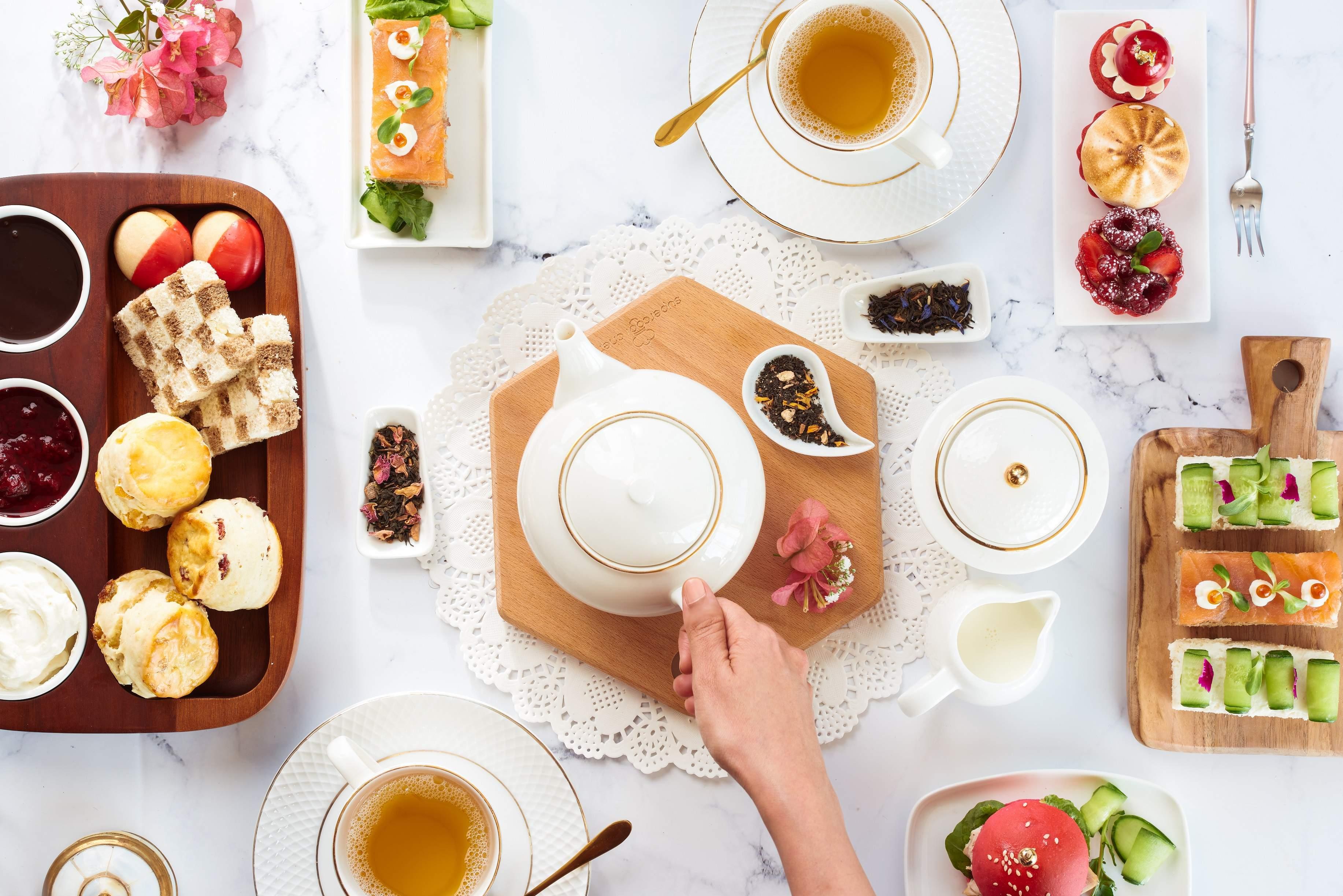 Tea at Shangri-La Hotel