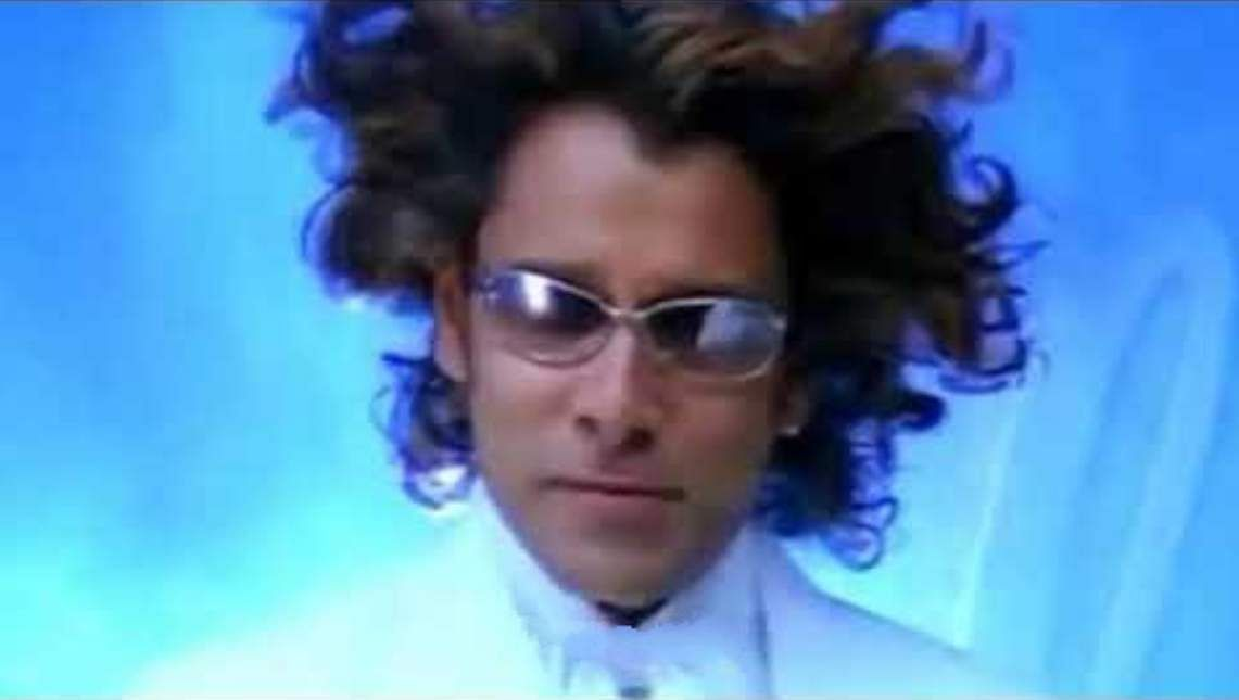 Chiyaaan Vikram's Remo hairstyle from Anniyan