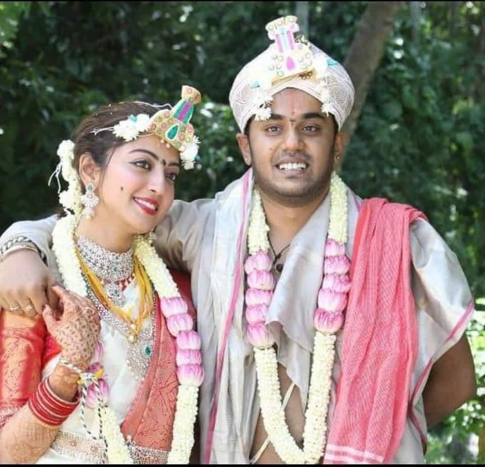 Actress Pranitha wedding to Nitin Raju pics
