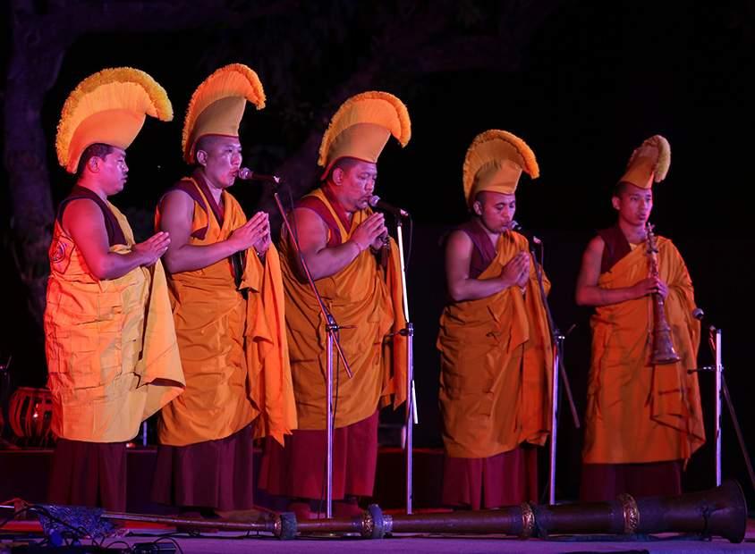 Tibetan_Monks