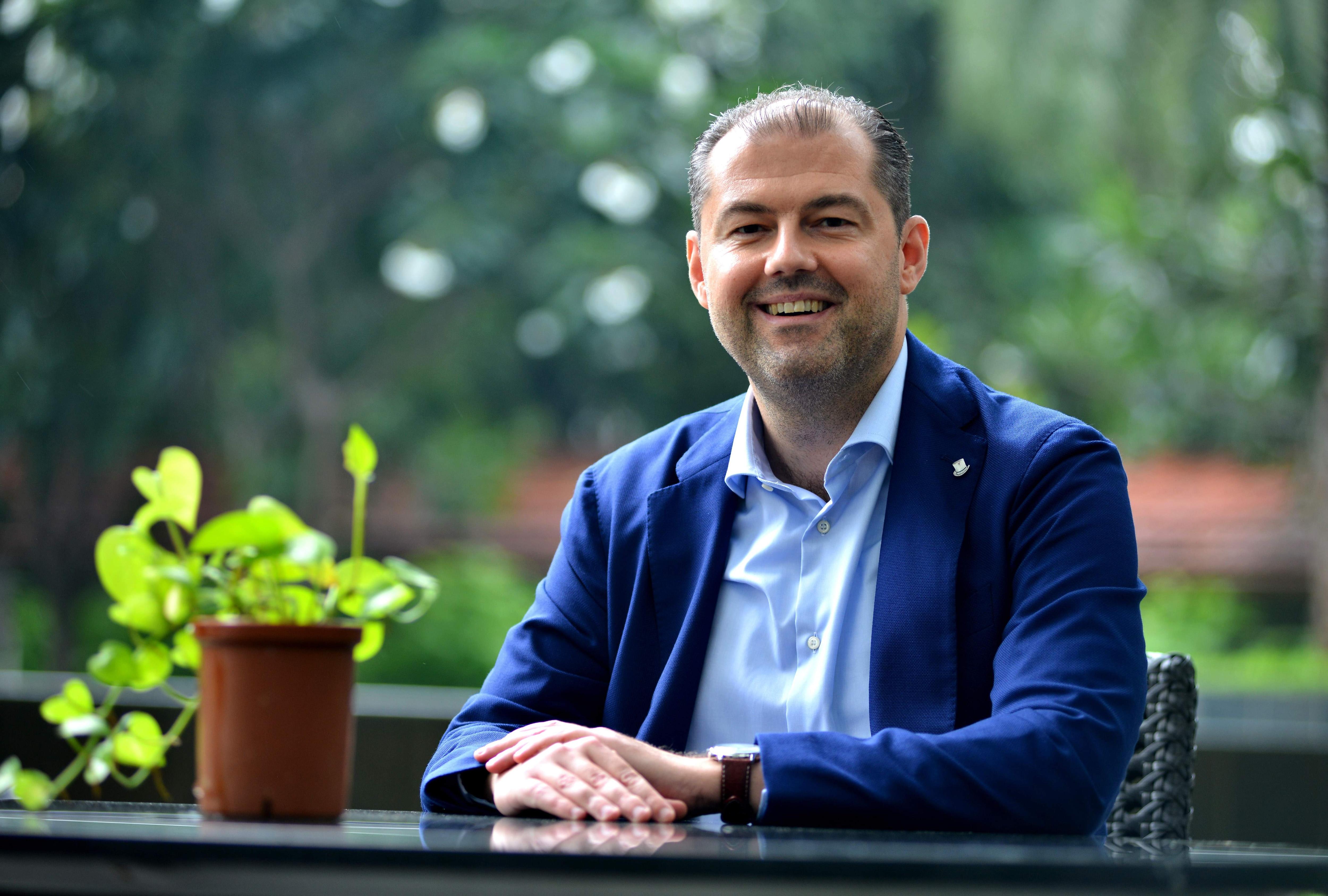 Consul General Mark Van de Vreken