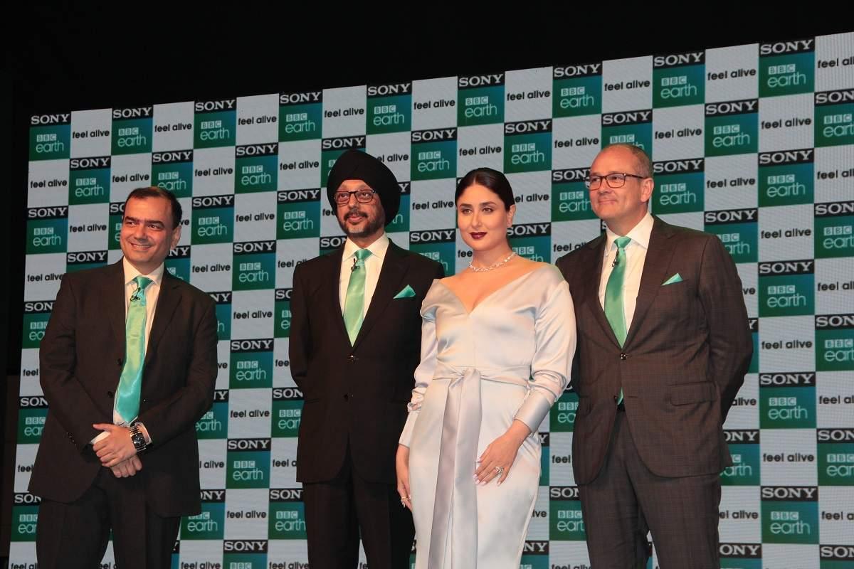 (L-R)Saurabh Yagnik, NP Singh, Kareena Kapoor Khan and Paul Dempsey