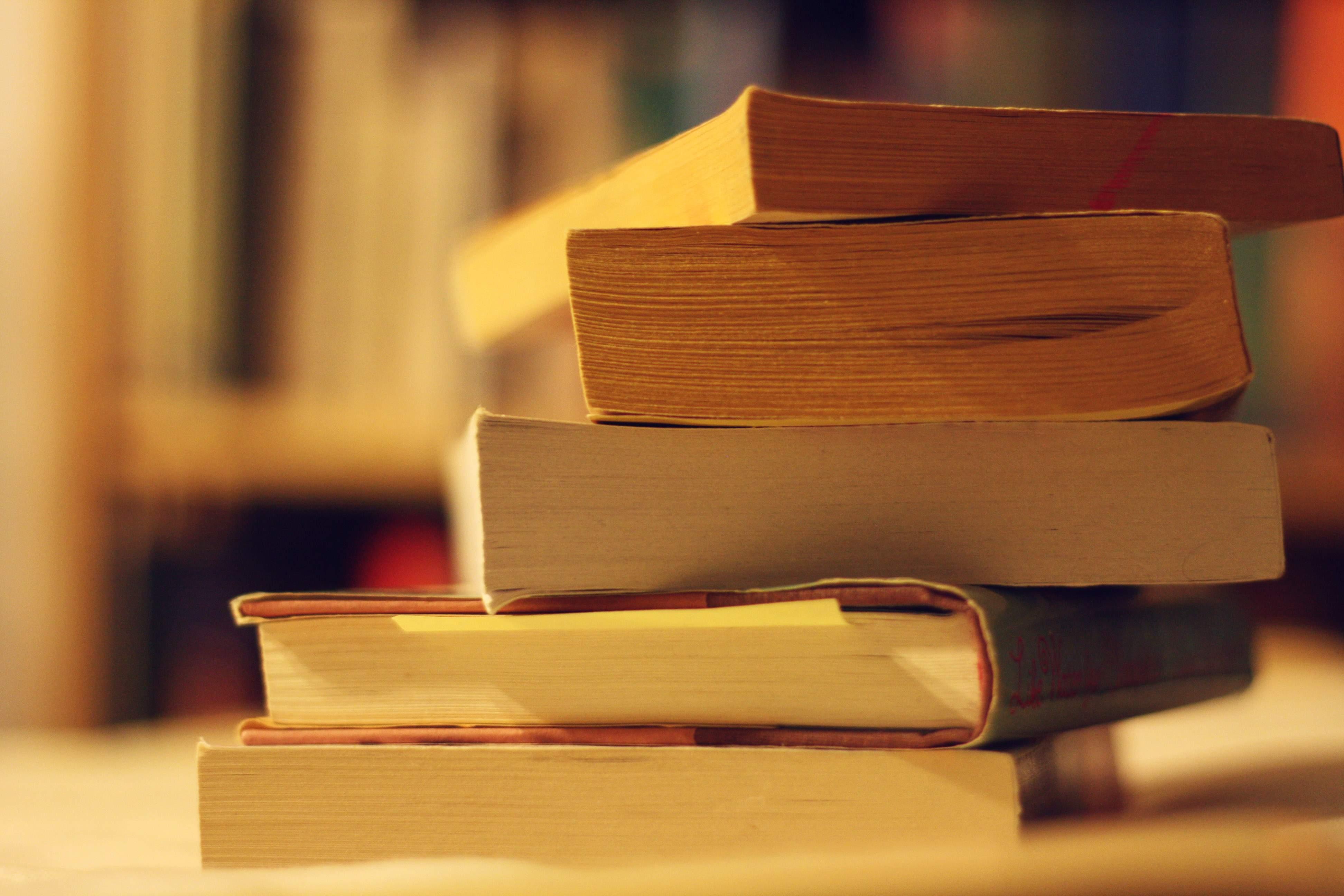 Book_sale_lo