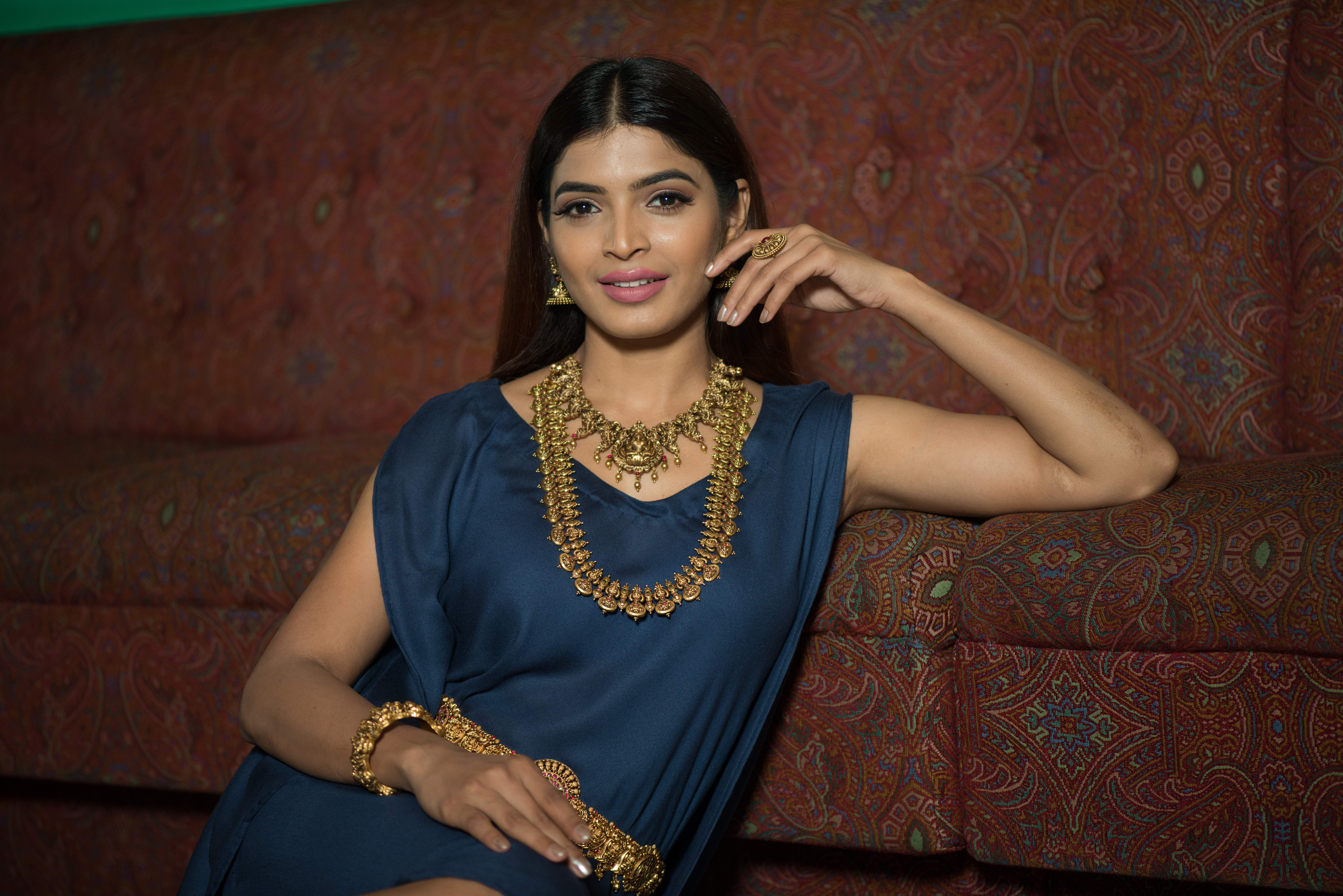 Sanchita Shetty | Jewellery: Vummidi Bangaru Jewellers (VBJ) | Wardrobe & Styling: Studio 9696 | Hair and make-up: Samantha Jagan of  Wink Salon, Alwarpet