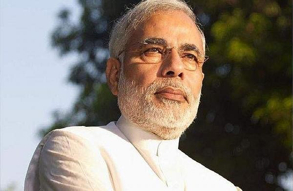 Narendra_Modi_in_white_shirt
