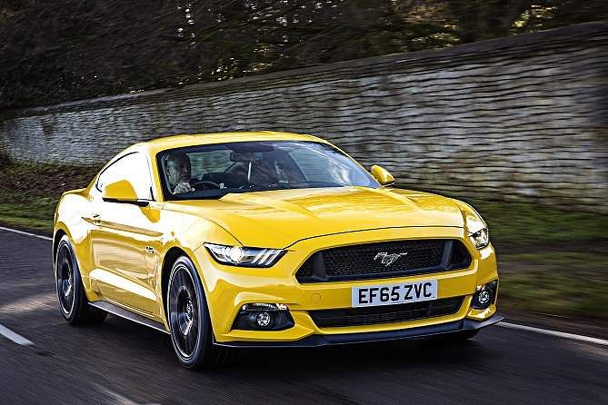 Ford_Mustang_(2)