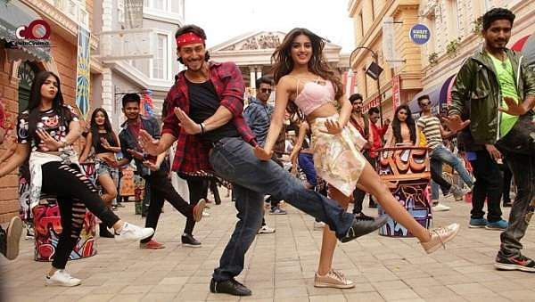 tiger-shroff-and-nidhhi-agerwal-first-look-from-munna-michael-movie