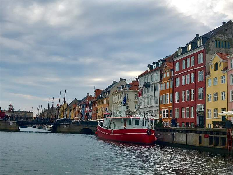 Nyhavns painted houses