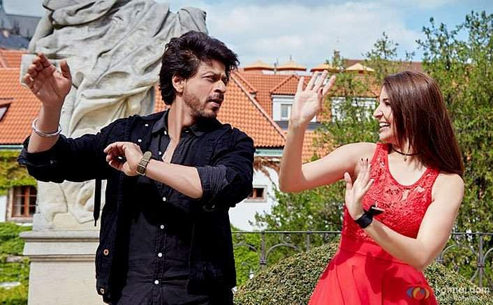 Shah Rukh Khan and Anushka Sharma in Jab Harry Met Sejal