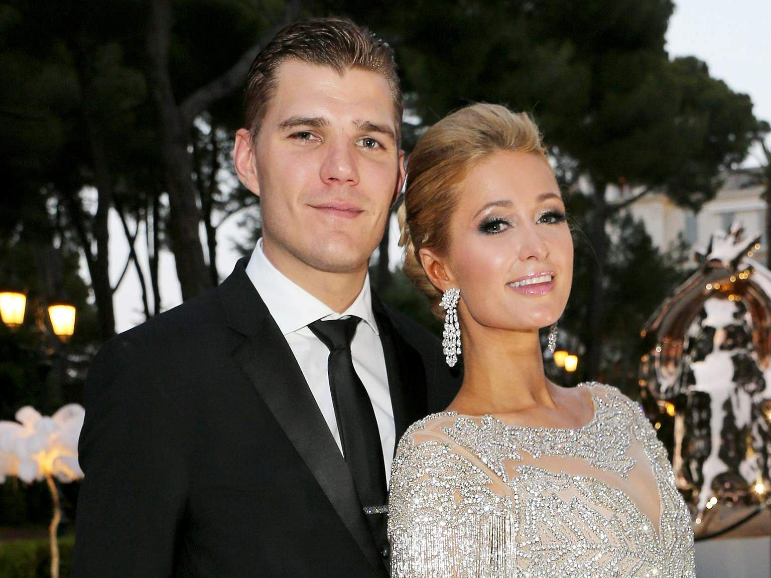 Paris Hilton gets engaged