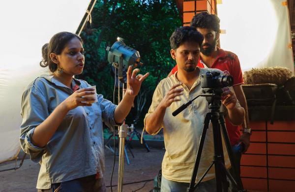 directors_working_still_eye_test_1