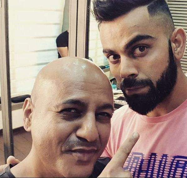 It is not hard to see how Virat always likes to keep his hair game on point,  experimenting with different stylists as it is Aalim Hakim here.