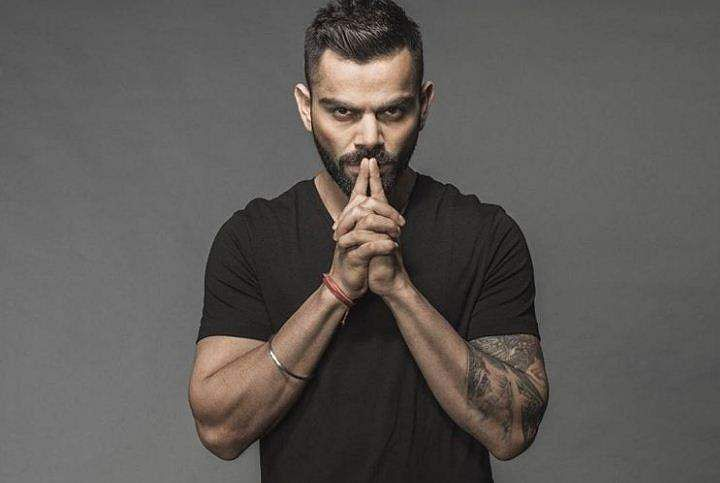 While most celebrities experiment with different kinds of printed t-shirts, Virat Kohli seems to have aced the game with a plain black tee.