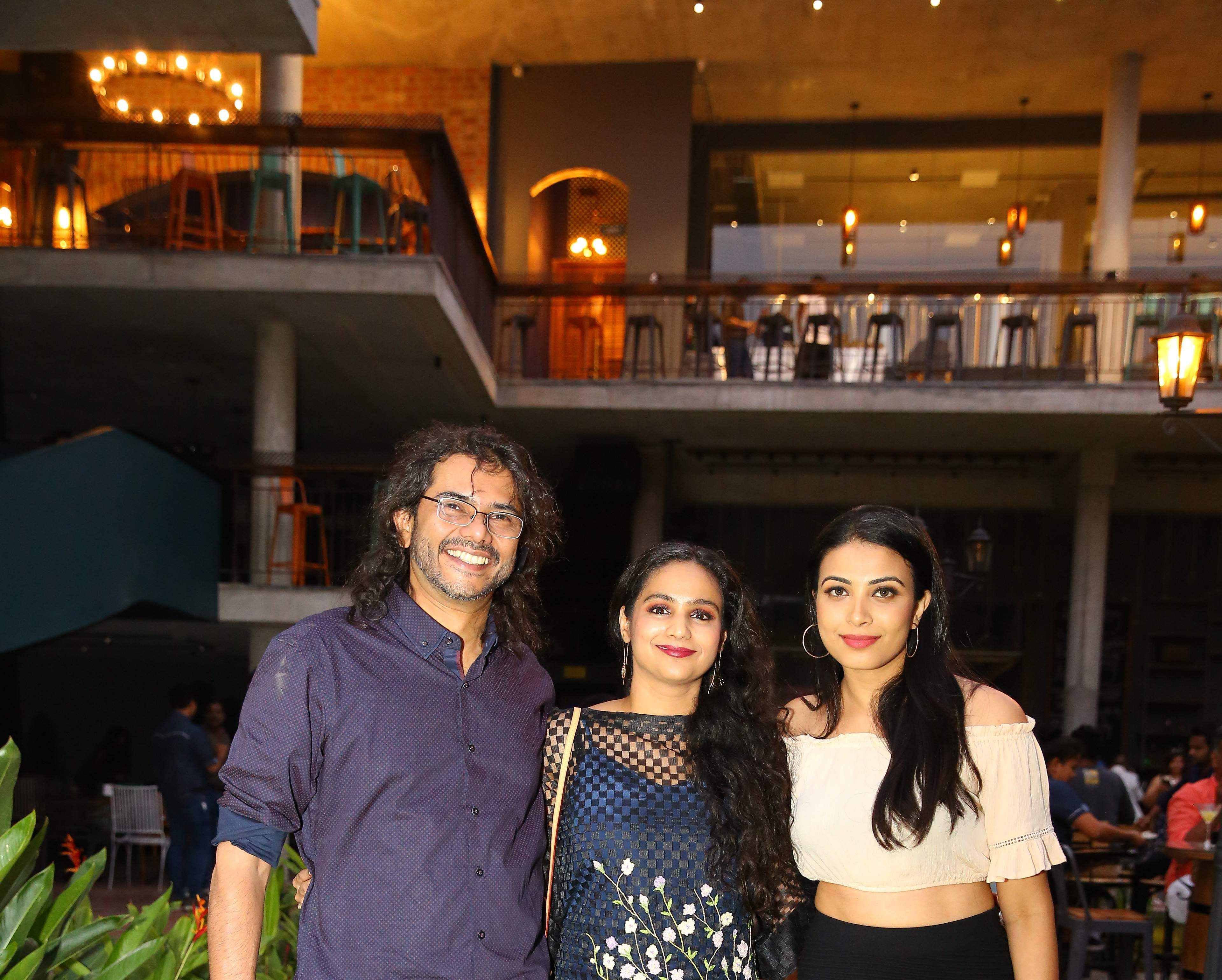 Sandeep_and_Deepa_Acharya,_Kavya_Shetty