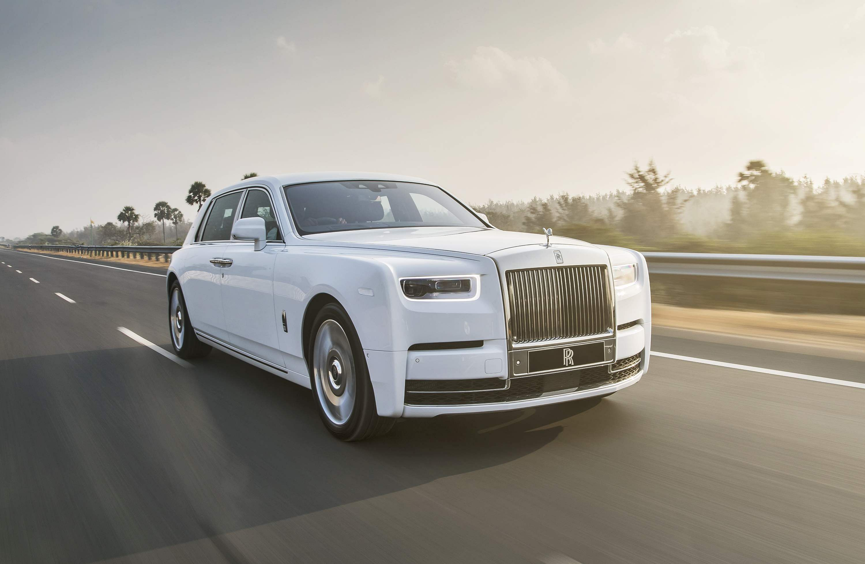 'The best car in the world': New Rolls Royce Phantom ...