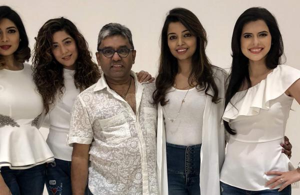 Bindiya,_Shamshad,_Sunil,_Nirupama,_Paloma
