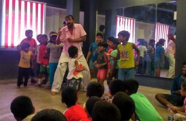 Kavin Jay Babu (in pink) during rehearsal