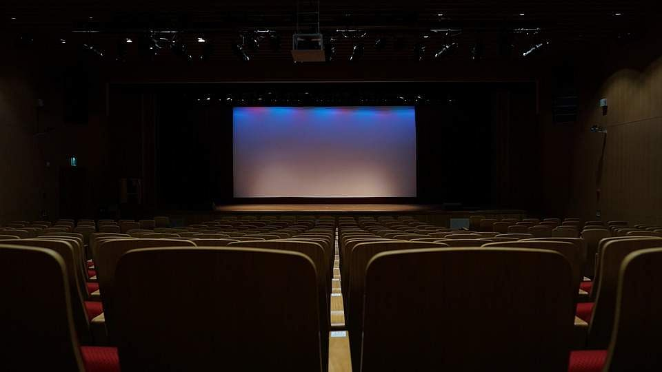theatre-603076_960_720