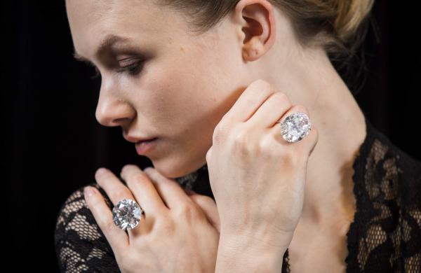 50 carat white diamonds
