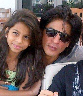 Suhana Khan and Shah Rukh Khan pose for a dad-daughter picture