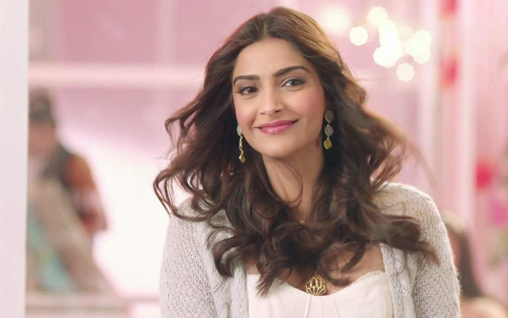 Sonam Kapoor nudes (49 images) Hacked, Snapchat, butt