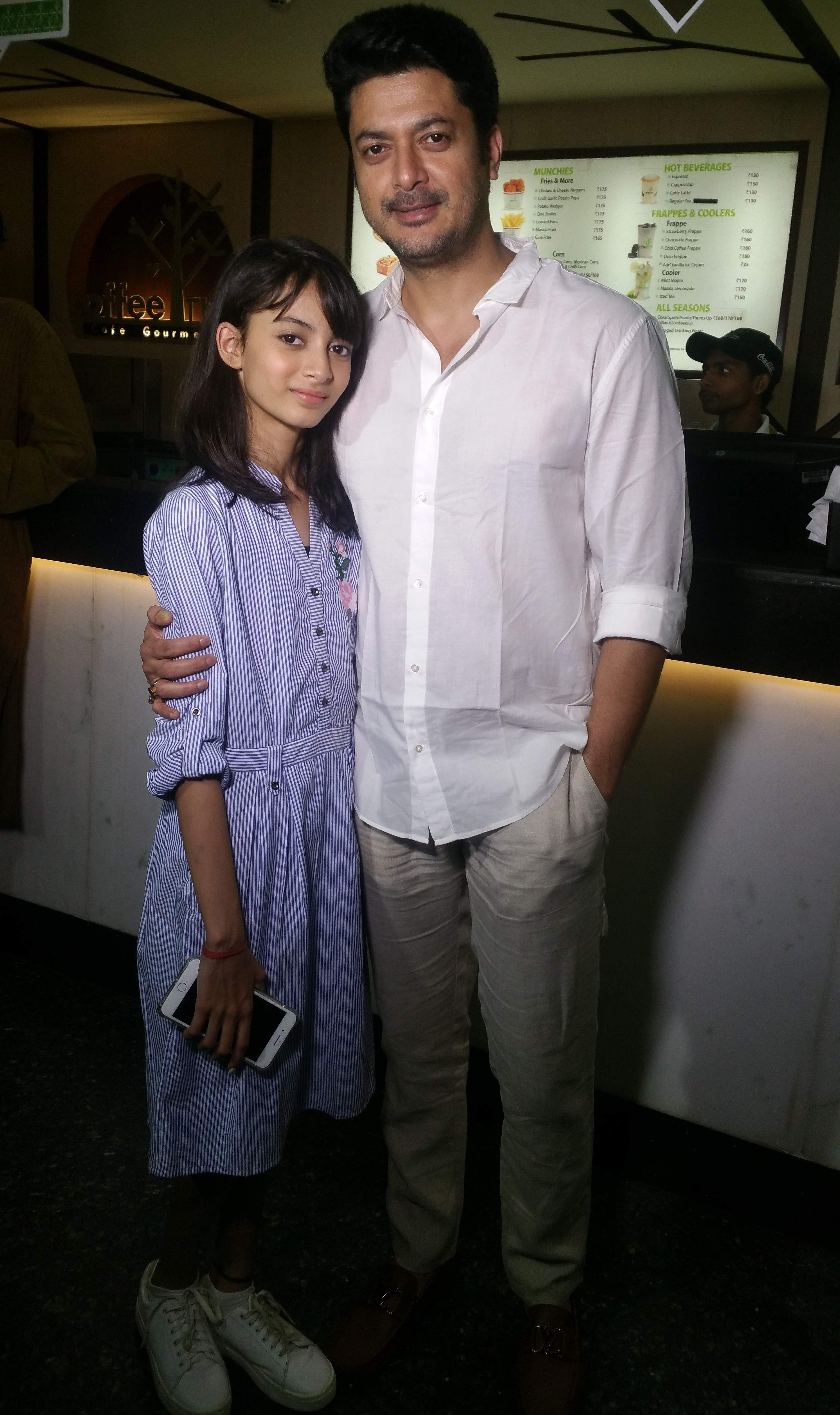 Jisshu Sengupta with his daughter, Sara Sengupta, who debuted in Uma. Jisshu, real life father of Sara, has also portrayed the role of father on screen.