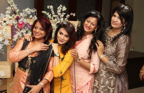 Archana_Dalmia-_Namita_Kanodia_-Vanita_Kanodia-_Savita_Bansa