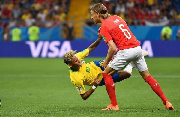 World Cup 2018 Rio de Janeiro bar offers free shots every time Neymar falls down