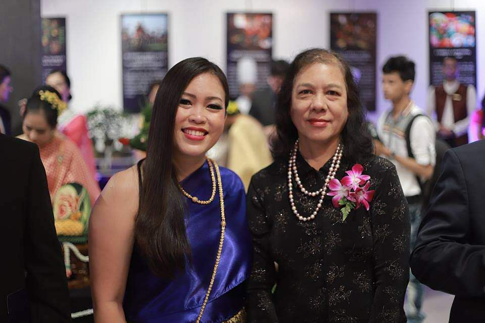 Thai Consul General with thespouse of U Myint Soe, Consul-General of the Republic of the Union of Myanmar