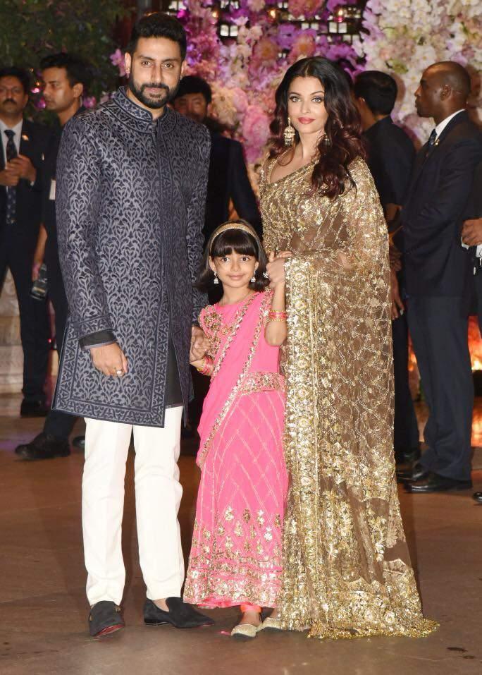 Abhishek Bachchan, Aishwarya Rai Bachchan and Aaradhya