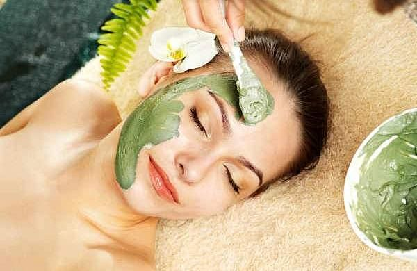 Natural skin healing plants for healthy skin