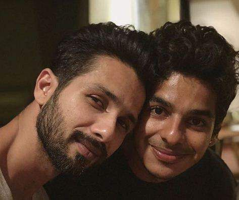 Shahid and Ishaan Khatter photo
