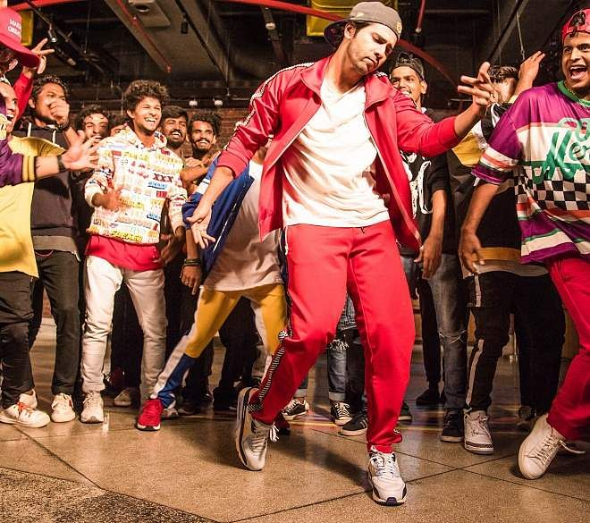 Varun Dhawan Breezer Vivid Shuffle photo