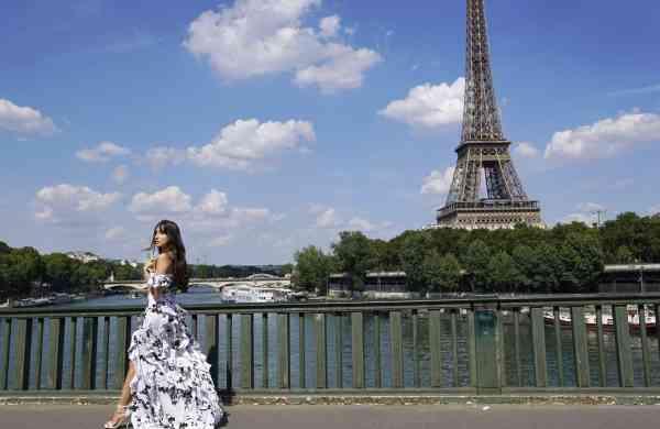 Nora Paris photo