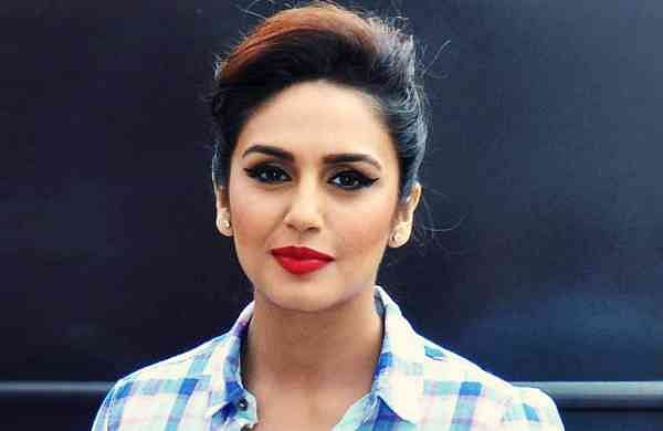 Huma Qureshi Indulge photo