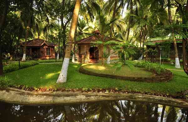 luxury ayurvedic resort kerala