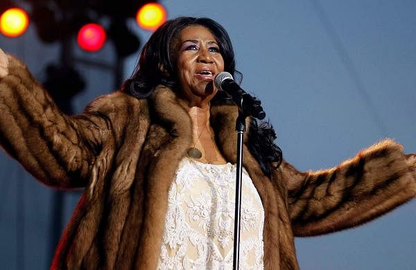 Elton John, Ellen DeGeneres, Lady Gaga, Oprah Winfrey among others pay tribute to Aretha Franklin