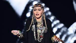 Madonna's tribute toAretha Franklin at the VMAs angers Twitter