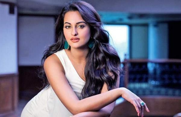 sonakshi photo