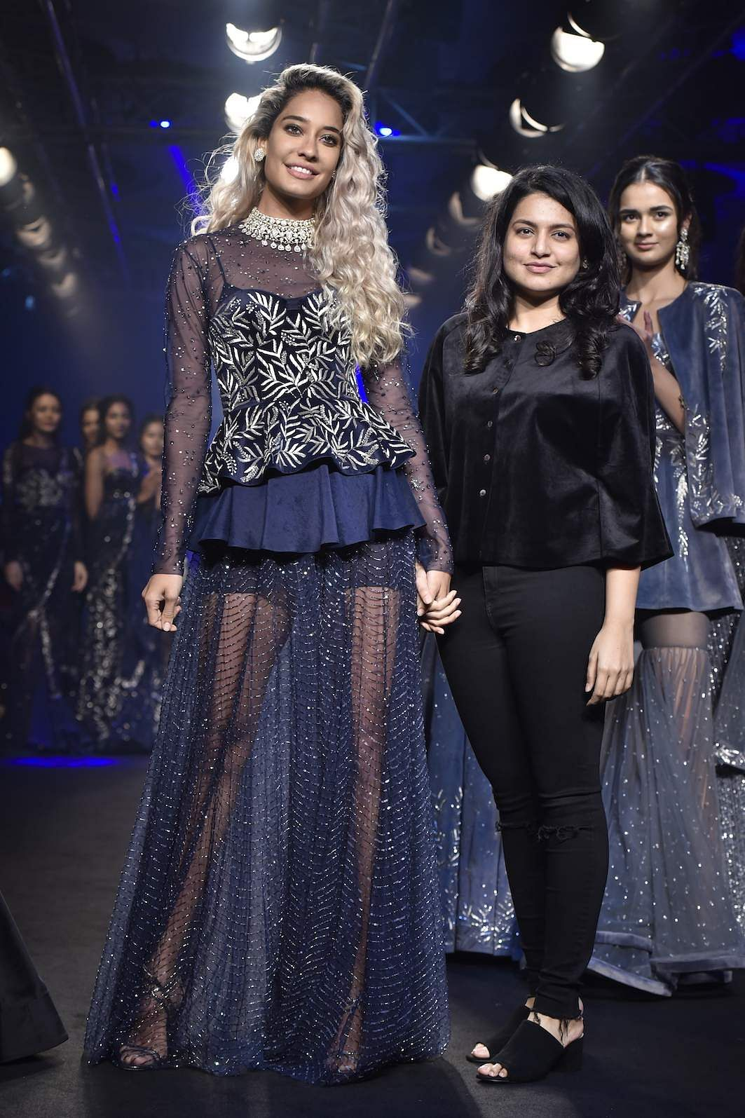 Swapna_Anumolu,_Mishru_with_her_showstopper_Lisa_Haydon_(1)