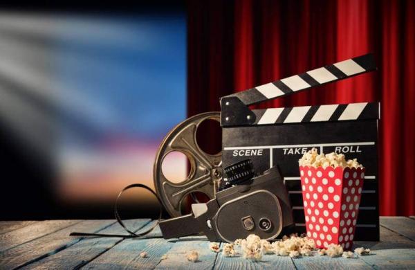 jag_cz_movie_theater_retro_shutterstock_594132752-1525979622-8633