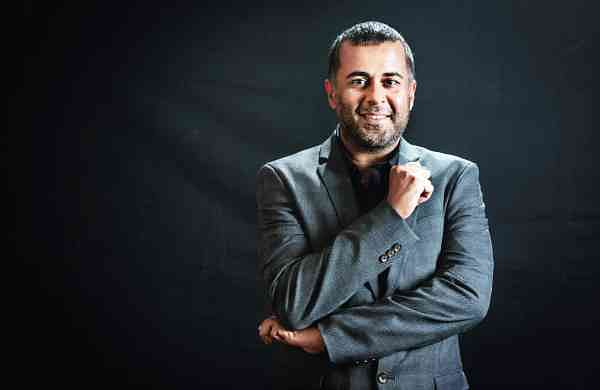 Chetan Bhagat Photo