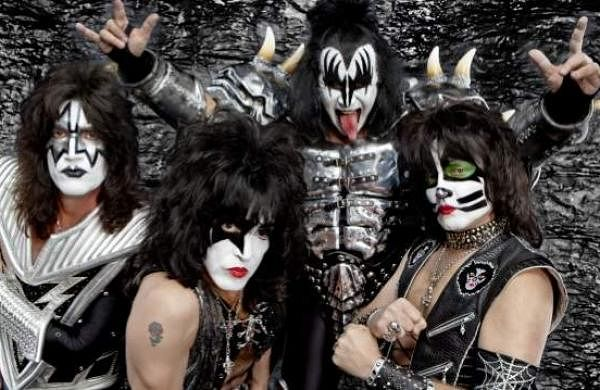 Popular rock band Kiss announcesfinal tour, says will bid adieu with theirbiggest show yet