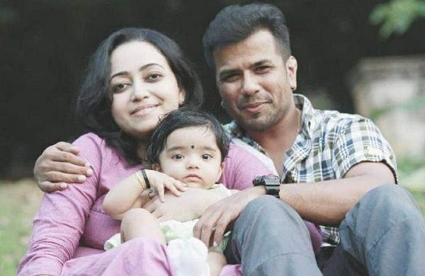 Violinist Balabhaskar and wife critical after roadaccident in Kerala, daughter dies