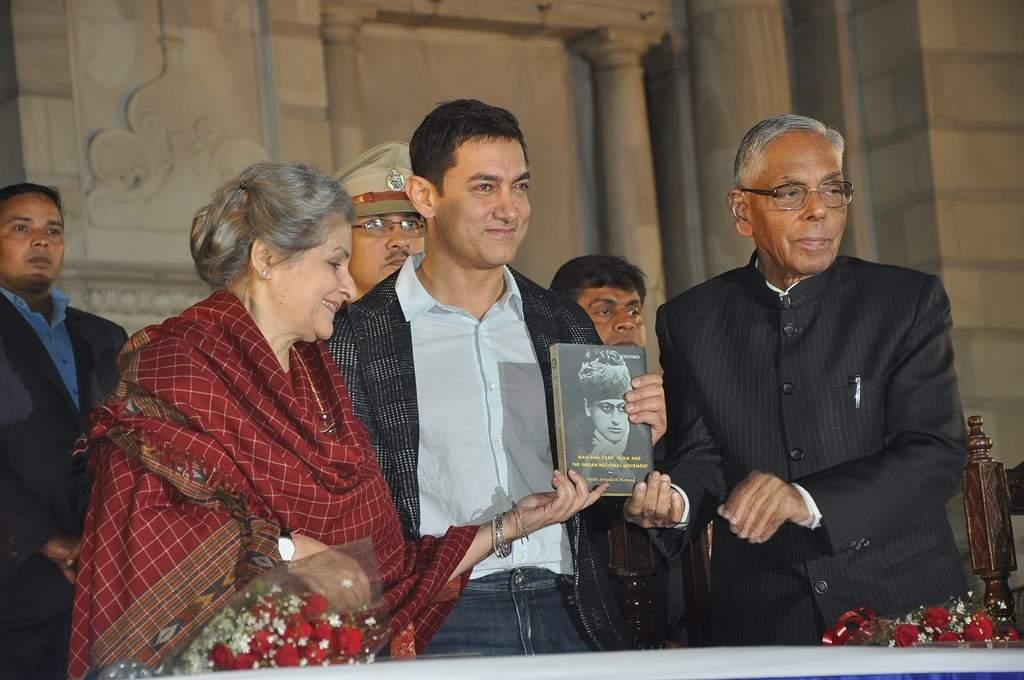 Amir_Khan_at_Apeejay_Kolkata_Literary_Festival_2014_(1)