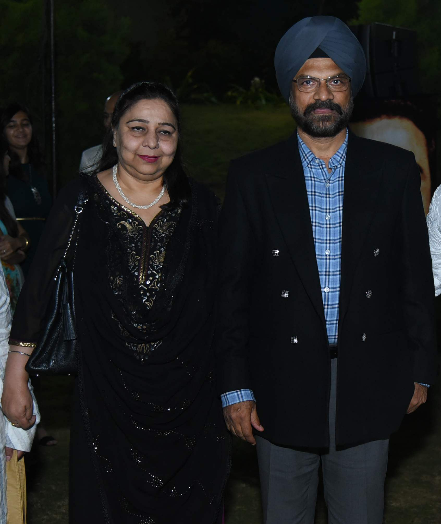 General_Paramjeet_with_wife